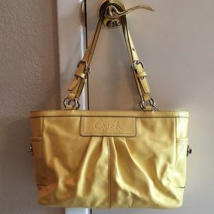 💝 COACH Yellow Patent Leather Shoulder Bag Tote!